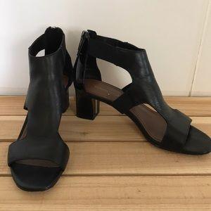 Donald J Pliner Sandal Shoe